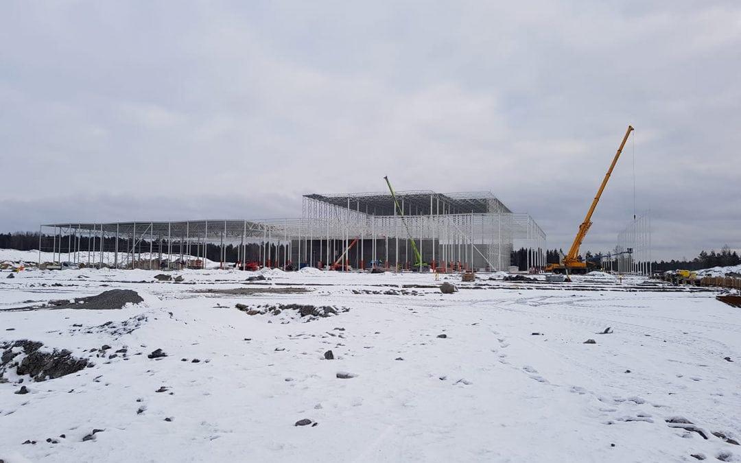 Rett utenfor Moss reiser Europris sitt nye, gigantiske lager.